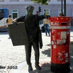 Porto Newspaper Delivery Man Statue