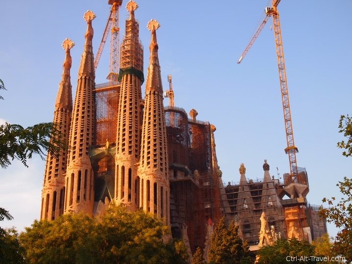 Sagrada Familia – Up Close