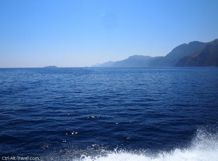 Positano and Amalfi : Pretty From the Sea